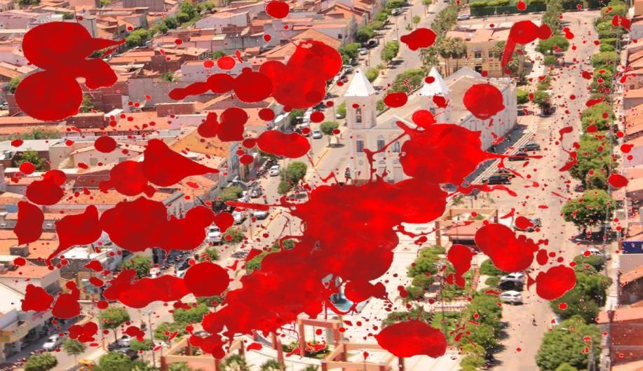 Imagem de Russas do alto com manchas vermelhas ilustrando sangue
